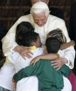 Benedicto XVI después de una catequesis