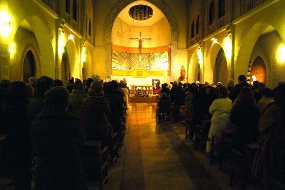 Una de las primeras misas de la parroquia