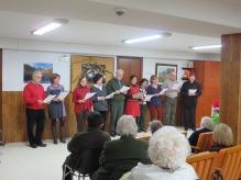 El coro cantando