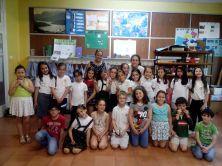 Una de las últimas sesiones de catequesis de los niños de Primera Comunión, con dos catequistas