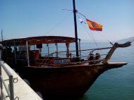 Desembarcando después de la travesía en el Mar de Galilea