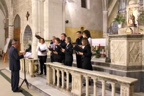 Florentino, dirigiendo el coro el 14 de diciembre de 2012