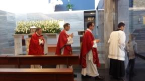 Viernes Santo, camino hacia el altar